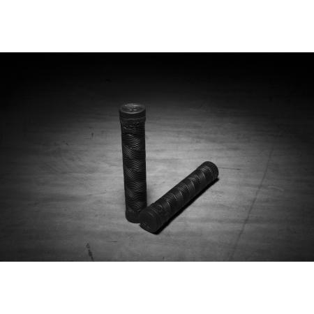 Kink Ace 150 MM Black grips